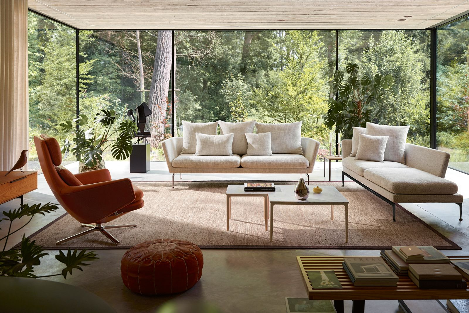 Vitra: «Suita», Sofa 3-Sitzer, und Lounge Chair «Grand Relax». Design ­Antonio Citterio.